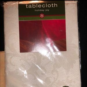 Brand New White Jaquard Tablecloth- 60 x 84""